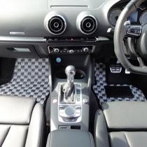 AUDI AUDI S3 FLAXY ブリリアントホワイト