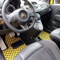 FIAT アバルト695トリブート・フェラーリ SISAL イエロー/ブラック